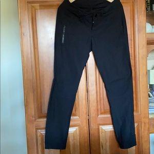 Lululemon Bust A Move Pant Black size 6 for petite